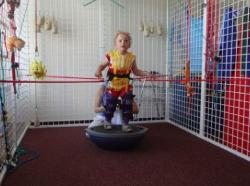 invalidní vozík pro 5letou dceru Barunku