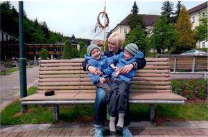 Příběhy z NND: Dvojčata bojují s obrnou