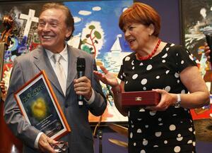 Charitativní aukce sběratelských medailí Karla Gotta startuje už dnes!