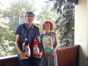 Nadace Naše dítě předala dary z veřejné sbírky drogistického zboží