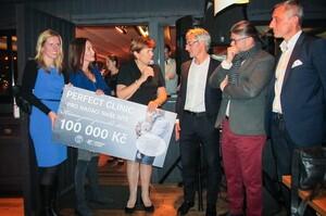 Krásou jsme pomohli  100.000 Kč z kampaně Perfect Clinic