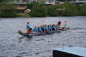 Pádleři podpořili nadaci v závodu Rotary Dragon Boat Charity Challenge!