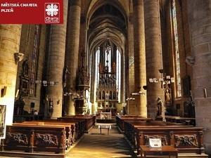 V Katedrále sv. Bartoloměje jsme předali šek Domovu sv. Zdislavy v Plzni
