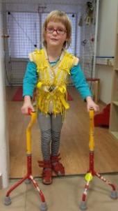rehabilitační cvičení na klinice Axon, pro postiženou 4letou dceru