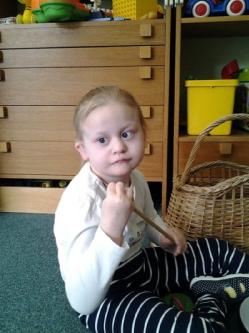 závěsná sluchadla pro 6letou dceru s těžkou ztrátou sluchu