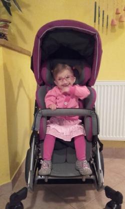zdravotní kočárek pro handicapovanou dceru